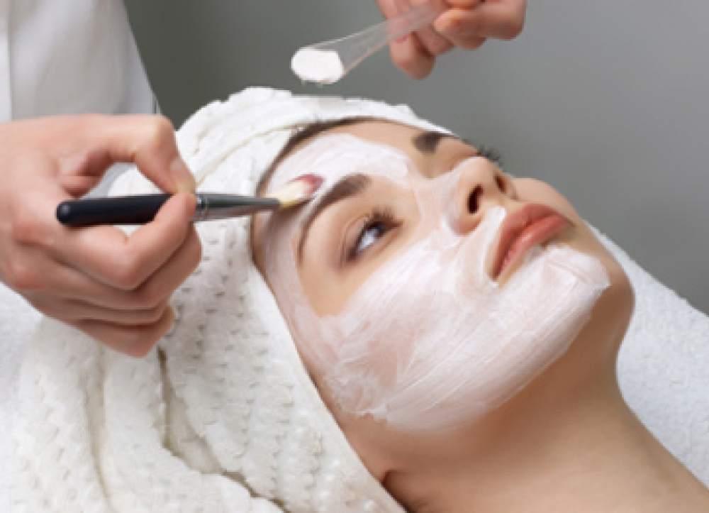 Join The Rri Team Beauty Therapist Wanted Rainbow Room